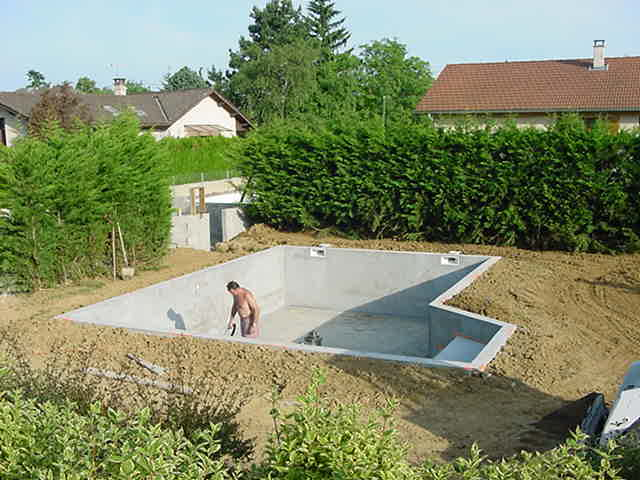 Une piscine b ton r alis e en steppoc autoconstruction for Autoconstruction piscine