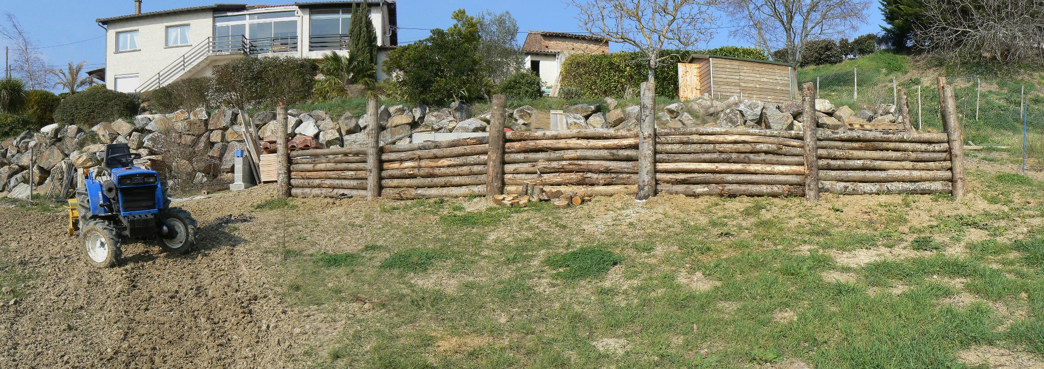 Construire Un Muret En Bois Fabriquer Salon De Jardin En Palette ~ Habiller  Un Mur En Parpaing Exterieur Avec Du Boi